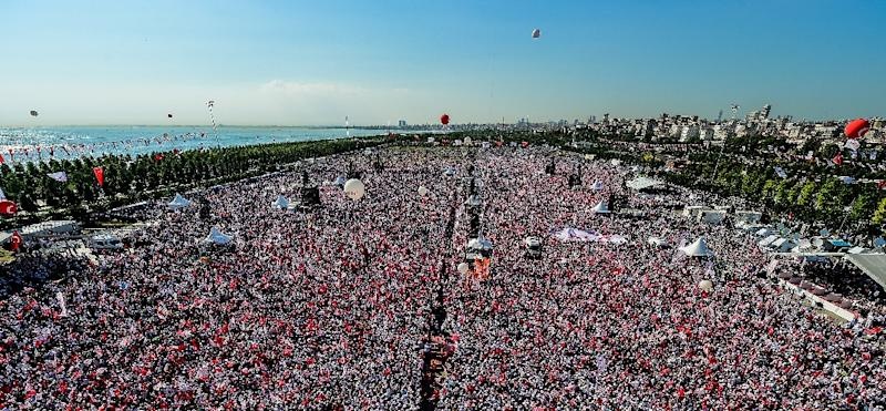 The rally is by far the biggest by the opposition seen in Istanbul since the mass May-June 2013 demonstrations against Erdogan's rule (AFP Photo/YASIN AKGUL)