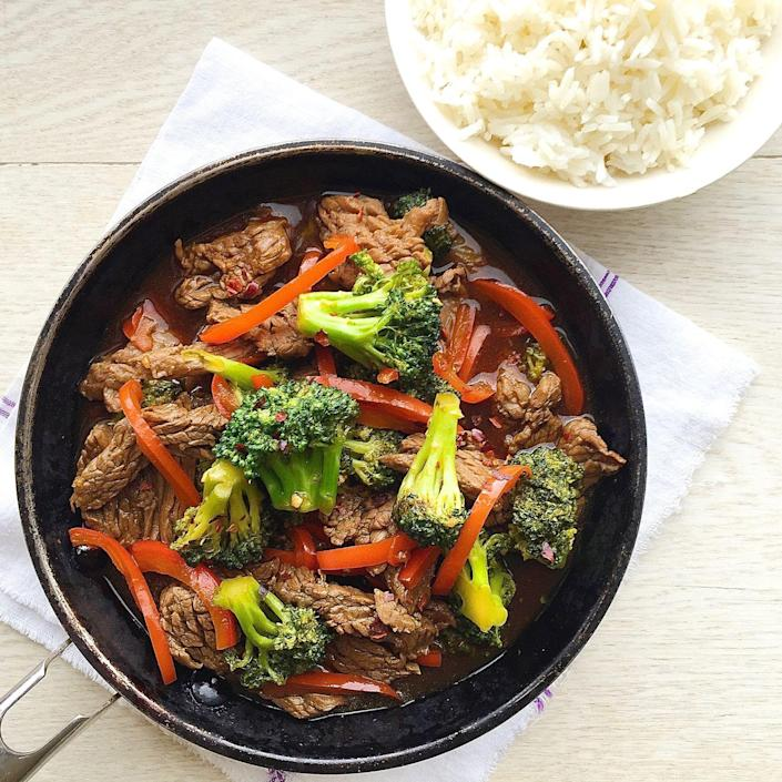 """<p>Red peppers take typical beef and broccoli next-level.</p><p>Get the recipe from <a href=""""https://www.delish.com/cooking/recipe-ideas/recipes/a43880/beef-broccoli-red-peppers-recipe/"""" rel=""""nofollow noopener"""" target=""""_blank"""" data-ylk=""""slk:Delish"""" class=""""link rapid-noclick-resp"""">Delish</a>.<br></p>"""