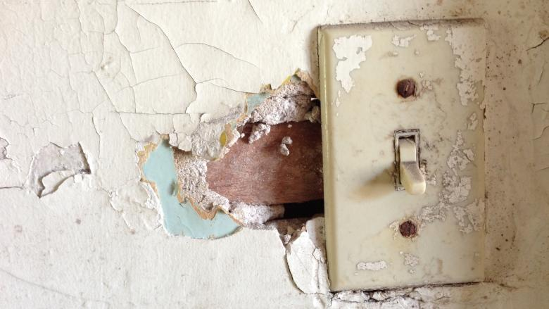 Winnipeg poised to allow homeowners to replace their own light switches