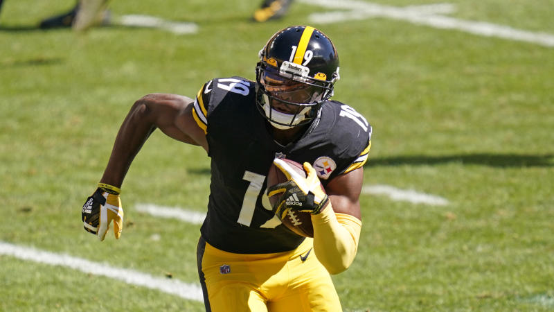 JuJu Smith-Schuster and the Pittsburgh Steelers had their schedule abruptly altered thanks to the Titans' COVID-19 outbreak. (AP Photo/Keith Srakocic)
