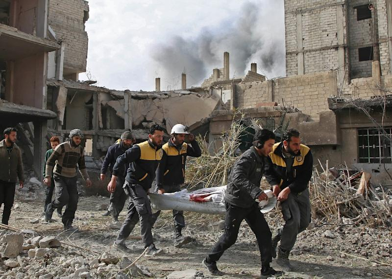 The White Helmets estimate that 400 civilians have been killed or injured in attacks over the last week in Eastern Ghouta (AFP Photo/Amer ALMOHIBANY)