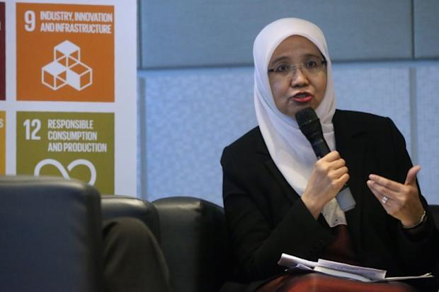 Commissioner of Human Rights Commission of Malaysia Prof. Datuk Dr Aishah Bidin speaks at the International Women's Day 2018 forum in Kuala Lumpur March 8, 2018. ― Picture by Zuraneeza Zulkifli
