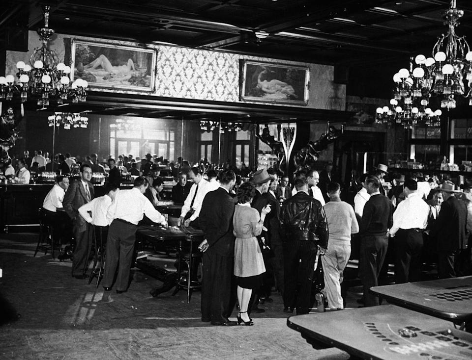 <p>A crowd of gamblers gather at the Golden Nugget casino. </p>
