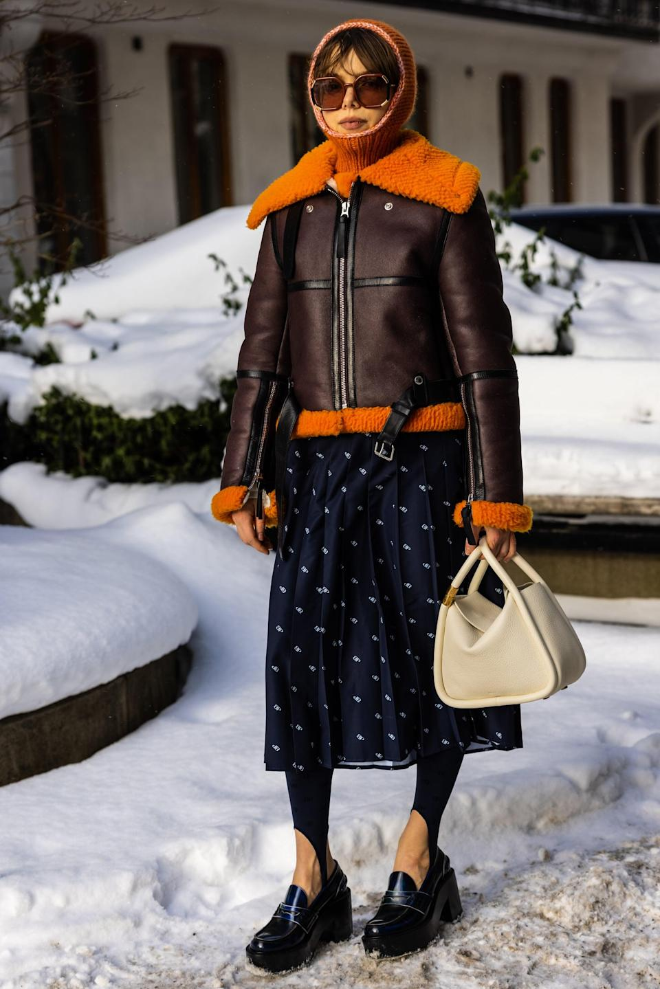 <p>Match your head wear - your beanie, your glasses - to the shearling collar of your coat.</p>