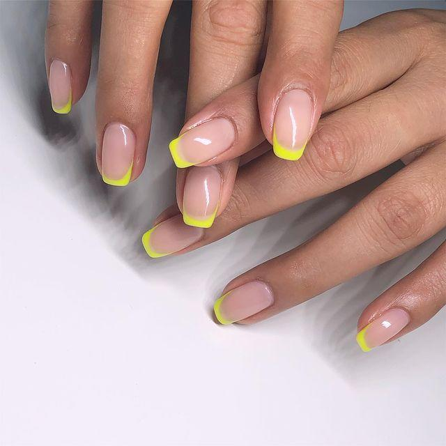 """<p>If you prefer a classic design you can still keep your nude base, just switch your white tips for a flash of neon yellow.</p><p><a href=""""https://www.instagram.com/p/Bx-LlBigjUh/"""" rel=""""nofollow noopener"""" target=""""_blank"""" data-ylk=""""slk:See the original post on Instagram"""" class=""""link rapid-noclick-resp"""">See the original post on Instagram</a></p>"""