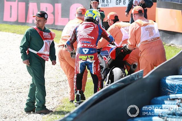 "Alvaro Bautista, Team HRC, tras su caída <span class=""copyright"">Gold and Goose / Motorsport Images</span>"
