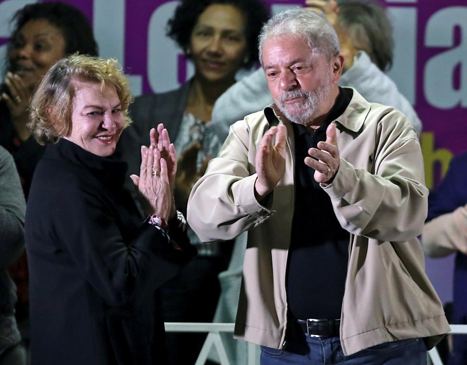 Brazil's former President Luiz Inacio Lula da Silva and his wife Marisa Leticia attend a meeting with people from pro-democracy movements in Santo Andre, Brazil August 15, 2016.  REUTERS/Paulo Whitaker/File Photo