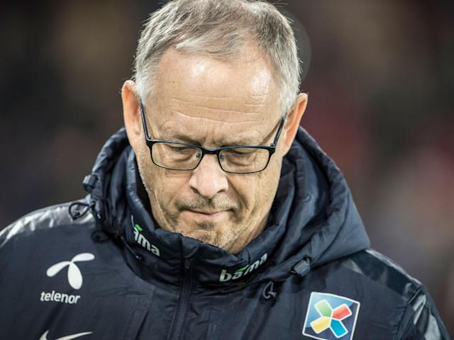 Lars Lagerback trudges off after Norway's defeat in Northern Ireland: Getty