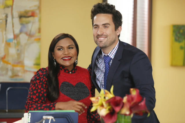 Mindy Kaling as Mindy Lahiri and Ed Weeks as Jeremy in <em>The Mindy Project </em>(Photo: Hulu)