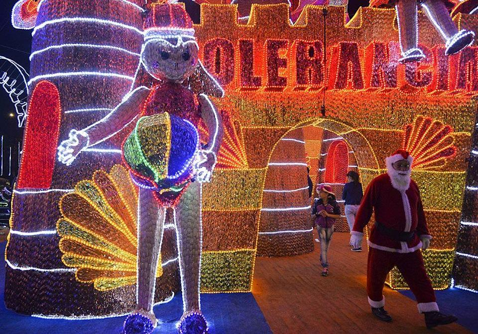 """<p>The annual <span class=""""redactor-unlink"""">light festival</span> in Medellín is a tradition that puts most <a href=""""https://www.housebeautiful.com/lifestyle/g13788630/vintage-christmas-decorations-trends/"""" rel=""""nofollow noopener"""" target=""""_blank"""" data-ylk=""""slk:Christmas light displays"""" class=""""link rapid-noclick-resp"""">Christmas light displays</a> to shame. The attraction brings in around four million visitors each year and has been going on since 1955.</p>"""