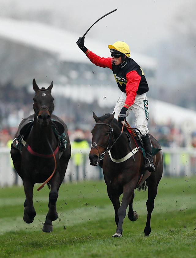 Horse Racing - Grand National Festival - Aintree Racecourse, Liverpool, Britain - April 13, 2018 Ultragold ridden by Harry Cobden wins the 16:05 Randox Health Topham Handicap Chase Action Images via Reuters/Jason Cairnduff