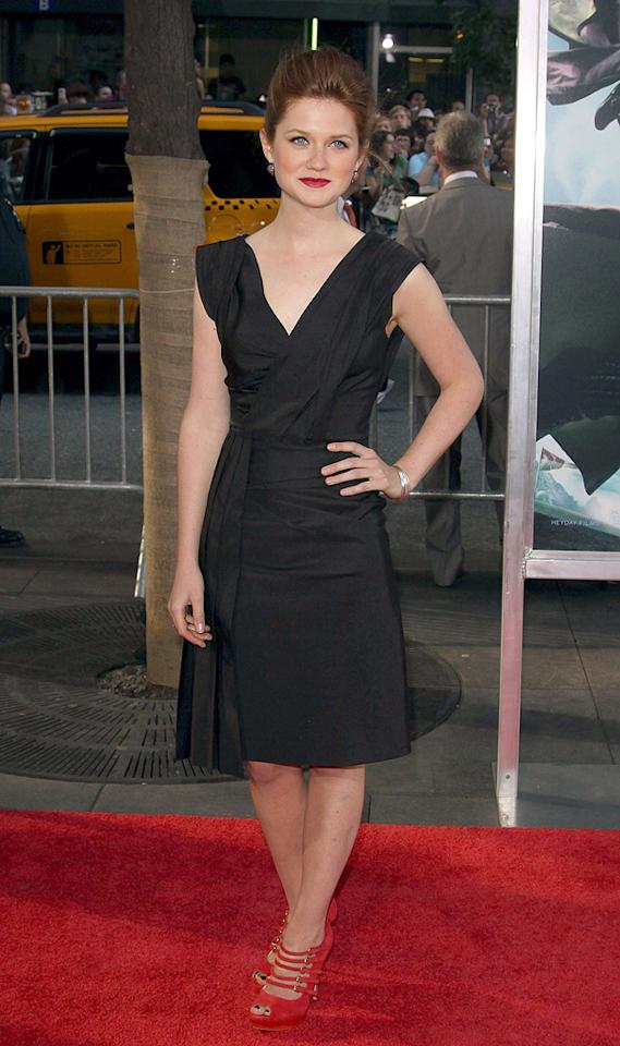 """<a href=""""http://movies.yahoo.com/movie/contributor/1808408966"""">Bonnie Wright</a> at the New York premiere of <a href=""""http://movies.yahoo.com/movie/1809791044/info"""">Harry Potter and the Half-Blood Prince</a> - 07/09/2009"""