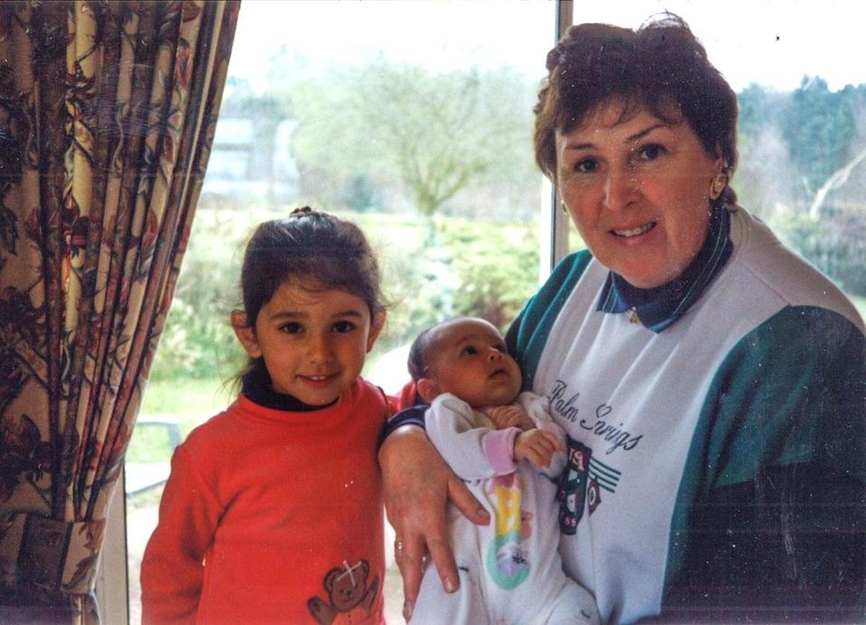 Layla Andrews and her sister with their nanLayla Andrews