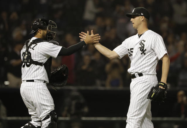 "The <a class=""link rapid-noclick-resp"" href=""/mlb/teams/chw"" data-ylk=""slk:White Sox"">White Sox</a> celebrate one of their rare 2018 wins (AP)"