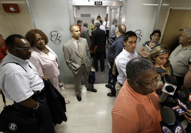 Detroit emergency officials meet with pension reps