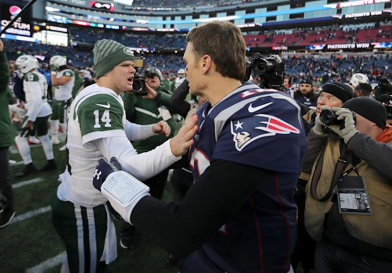 FOXBOROUGH, MA - DECEMBER 30: New England Patriots Tom Brady shakes hands with New York Jets rookie quarterback Sam Darnold after the Patriots defeated the Jets 38-3 at Gillette Stadium in Foxborough, Mass., on Dec. 30, 2018. (Photo by Matthew J. Lee/The Boston Globe via Getty Images)