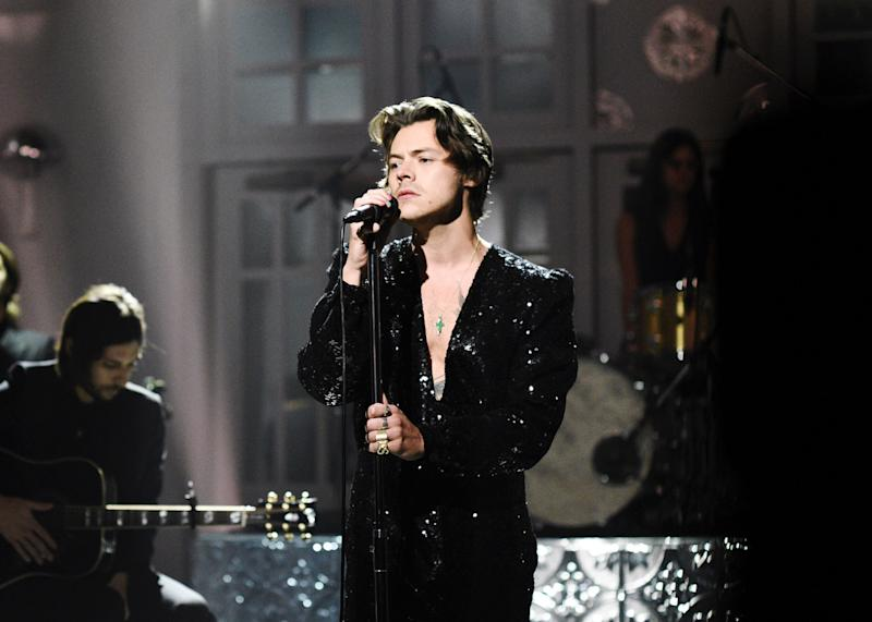 """SATURDAY NIGHT LIVE -- """"Harry Styles"""" Episode 1773 -- Pictured: Musical Guest Harry Styles performs """"Lights Up"""" on Saturday, November 16, 2019 -- (Photo by: Will Heath/NBC/NBCU Photo Bank via Getty Images)"""