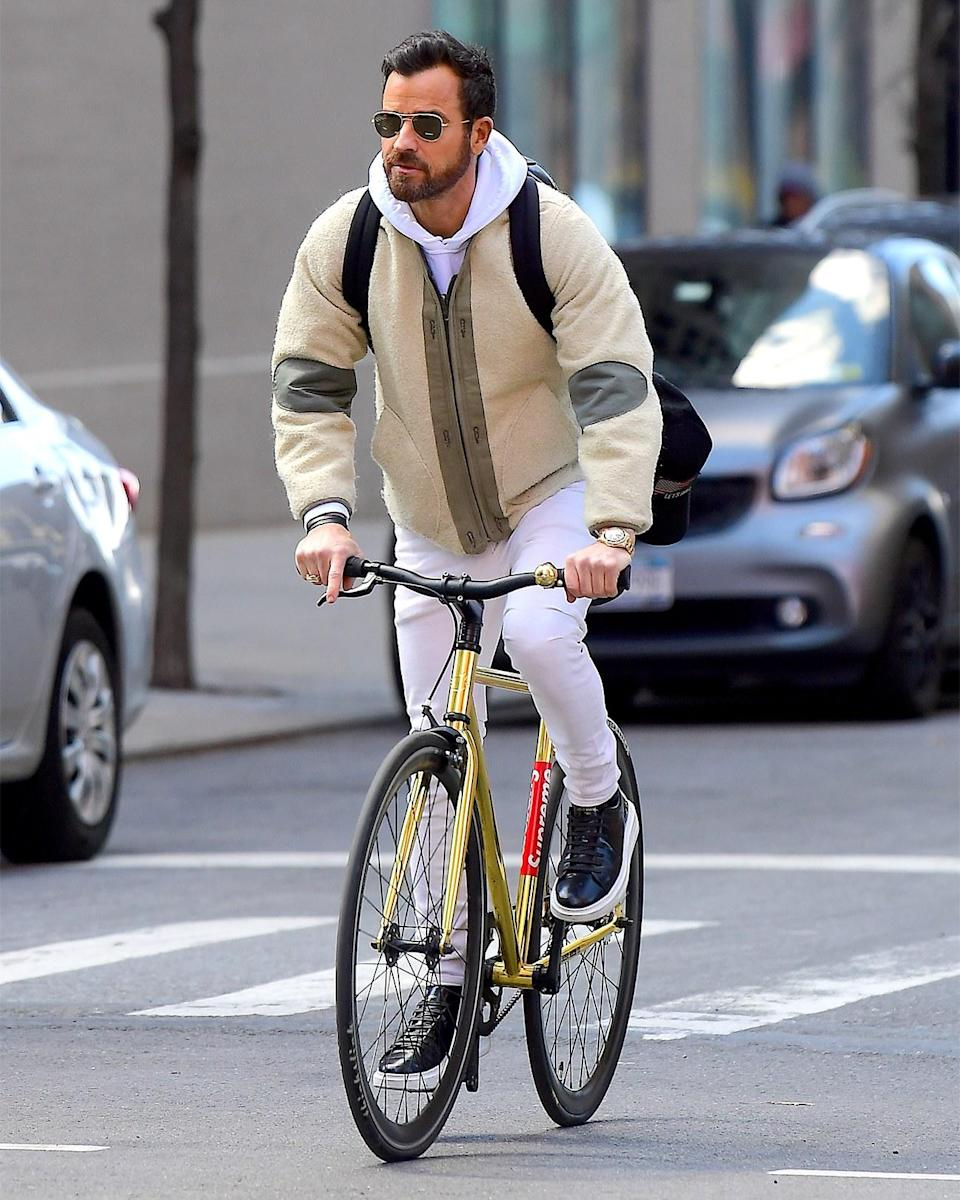 """<h1 class=""""title"""">April 1: Justin Theroux</h1> <div class=""""caption""""> As Justin Theroux knows, when in doubt, match your watch to your bike. </div> <cite class=""""credit"""">DIGGZY / SplashNews.com</cite>"""