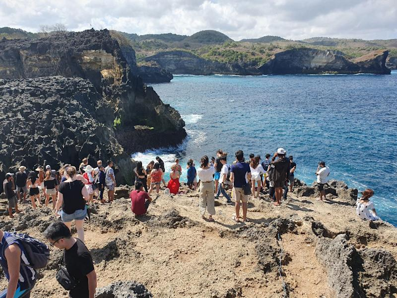 crowds on Nusa Penida