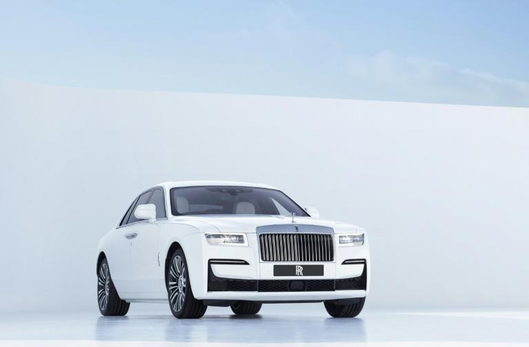 Rolls-Royce launches new Ghost amid virus worries