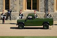 <p>The purpose-built Land Rover Defence hearse arrives at Windsor Castle. </p>