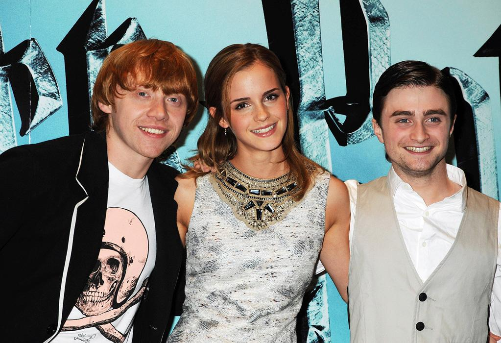 "<a href=""http://movies.yahoo.com/movie/contributor/1802866082"">Rupert Grint</a>, <a href=""http://movies.yahoo.com/movie/contributor/1802866081"">Emma Watson</a> and <a href=""http://movies.yahoo.com/movie/contributor/1802866080"">Daniel Radcliffe</a> at the London photocall for <a href=""http://movies.yahoo.com/movie/1809791044/info"">Harry Potter and the Half-Blood Prince</a> - 07/06/2009"