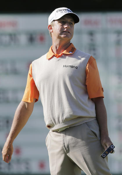 David Toms reacts to a missed putt on the 15th hole during the second round of the U.S. Open Championship golf tournament Friday, June 15, 2012, at The Olympic Club in San Francisco. (AP Photo/Eric Gay)