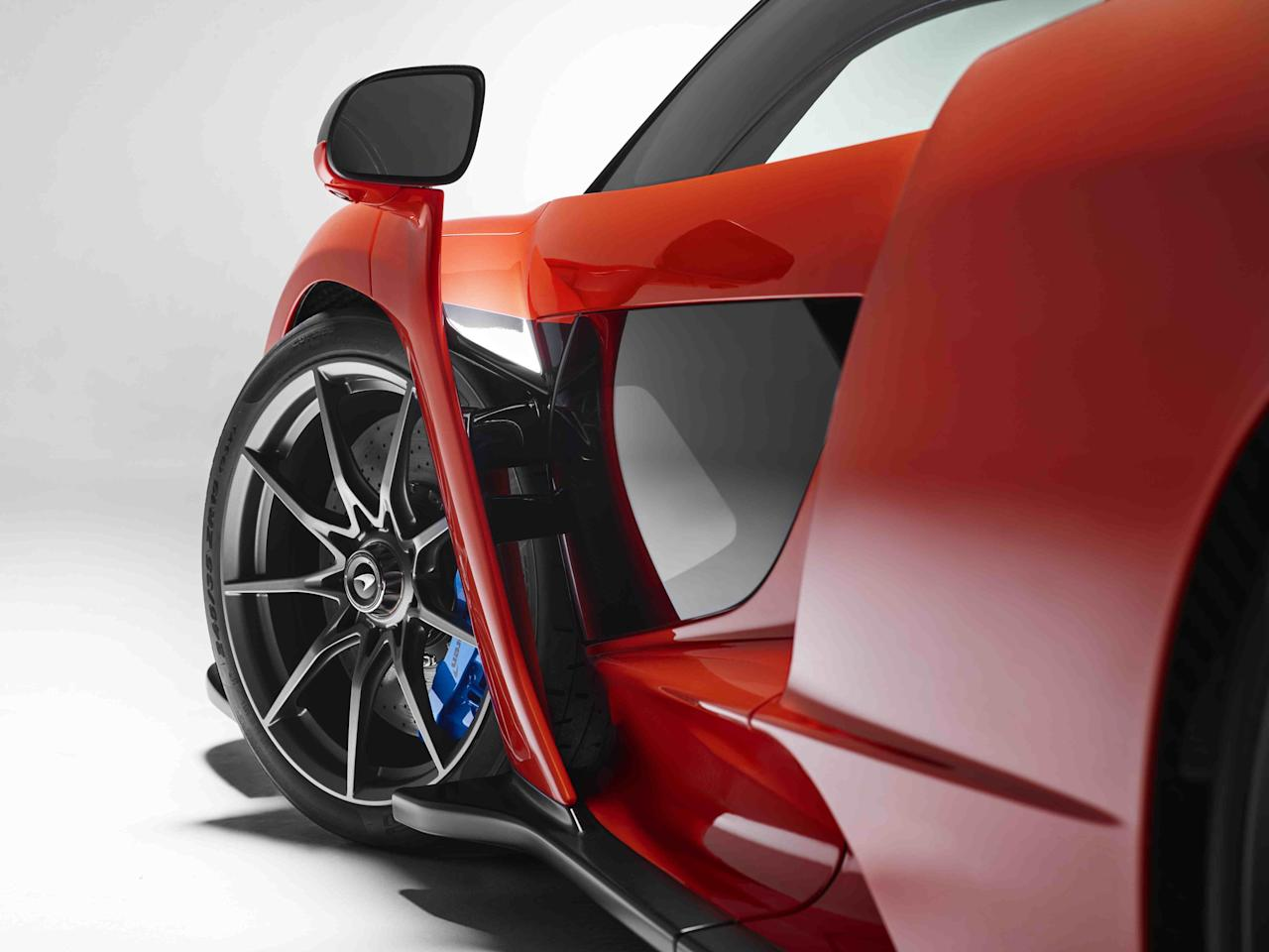 <p>Although no official performance figures have been released as yet, the 4.0-litre, twin-turbo V8 engine will pump out almost 790bhp. Given that this McLaren is the lightest yet, it should be propelled to well over 200mph. </p>
