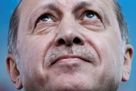Turkey election chief confirms 'Yes' camp wins Erdogan powers referendum