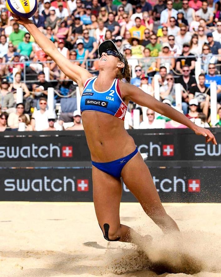 Olympic volleyball player April Ross is (Photo: Instagram)