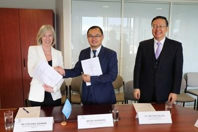 TAL and UNESCO formed partnership, with Chinese Vice Minister of Education Tian Xuejue witnessing the signing.