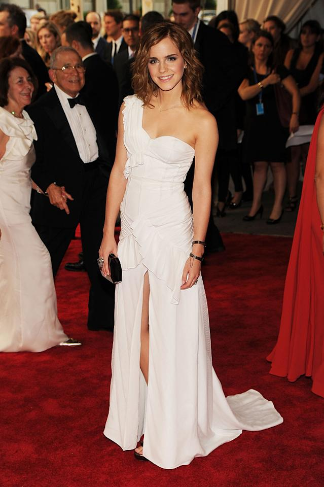 2010  Costume Institute Gala Benefit   She looks exceptional in this white asymmetrical Burberry gown.