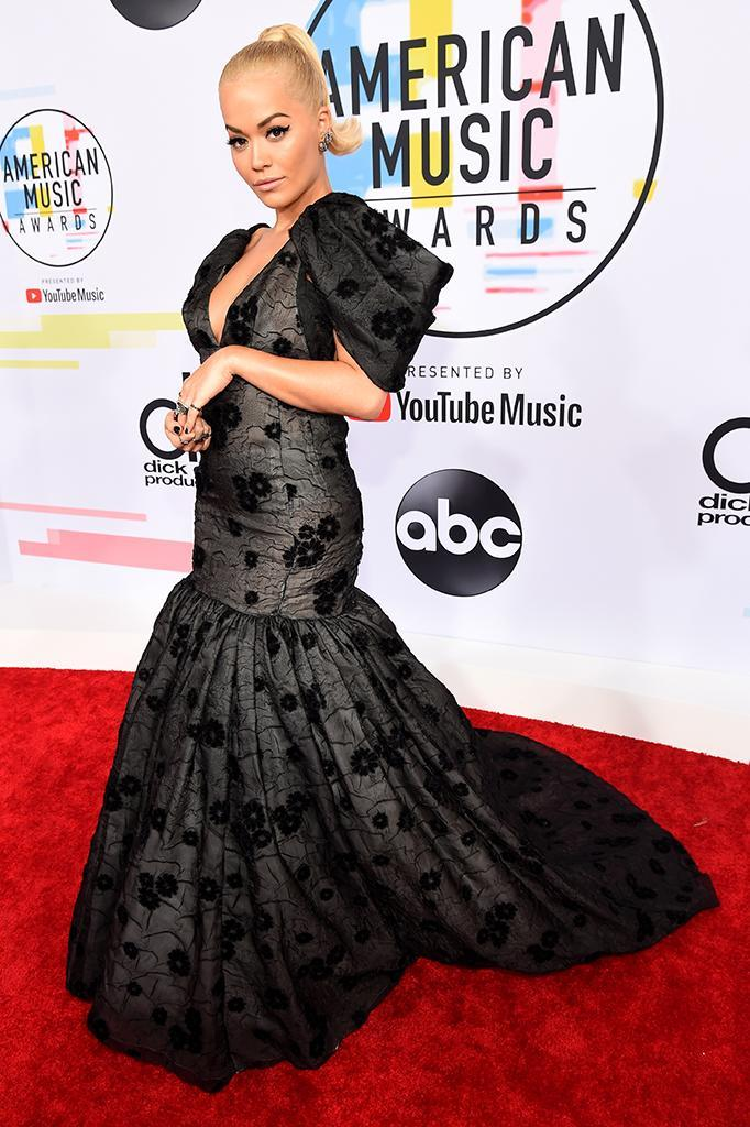 <p>Rita Ora attends the 2018 American Music Awards at Microsoft Theater on Oct. 9, 2018, in Los Angeles. (Photo: Kevin Mazur/Getty Images For dcp) </p>
