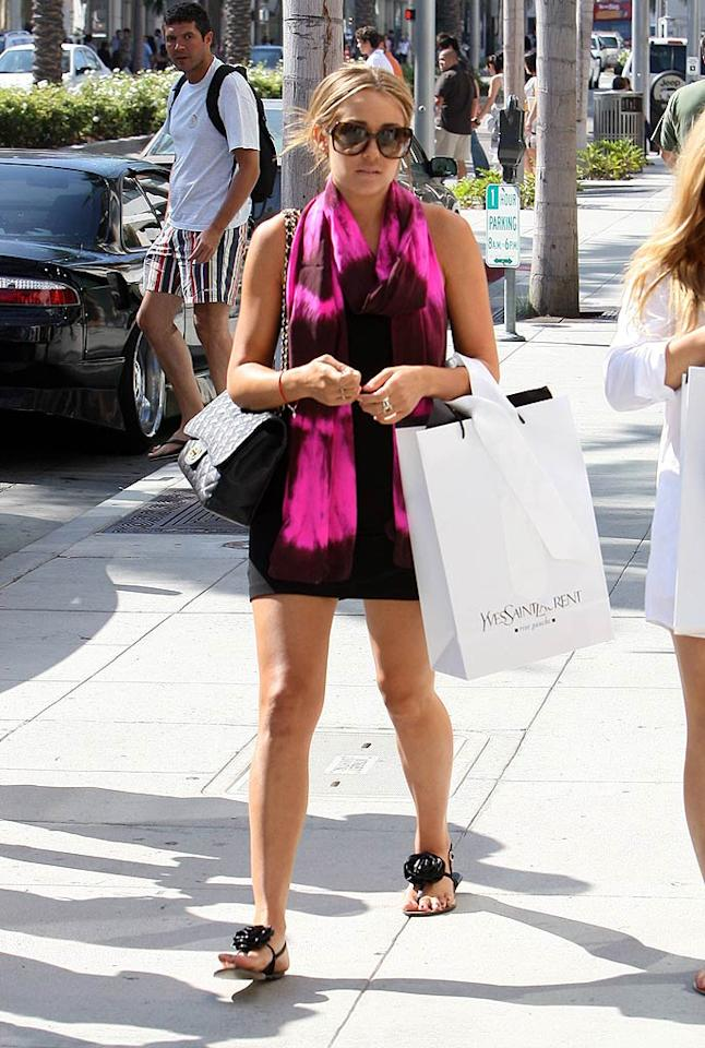 "Lauren Conrad can certainly afford to shop at Yves St. Laurent. The ""Hills"" hottie reportedly makes $75,000 per episode. LAX/<a href=""http://www.x17online.com"" target=""new"">X17 Online</a> - August 17, 2008"