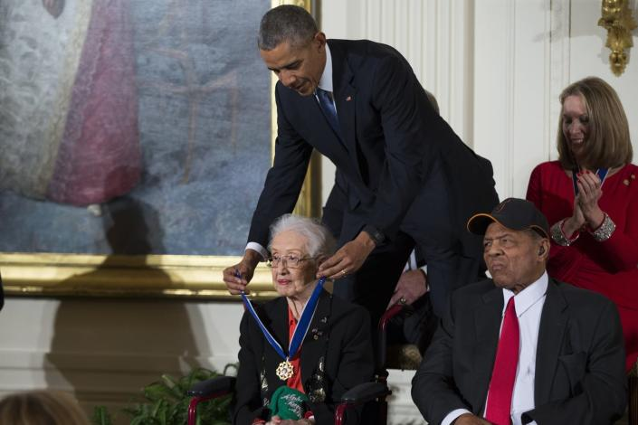 "<span class=""caption"">Barack Obama awarded Katherine Johnson the Presidential Medal of Freedom in 2015.</span> <span class=""attribution""><a class=""link rapid-noclick-resp"" href=""http://www.apimages.com/metadata/Index/Obit-Katherine-Johnson/71db6548f5f245fd825b5029c392c227/1/0"" rel=""nofollow noopener"" target=""_blank"" data-ylk=""slk:AP Photo/Evan Vucci"">AP Photo/Evan Vucci</a></span>"