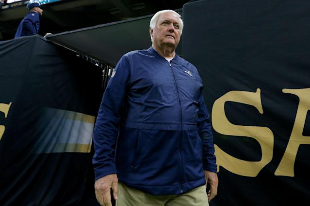 Rams defensive coordinator Wade Phillips honored his late father with a classic look on their way to Atlanta for the Super Bowl. (Jonathan Bachman/Getty Images)