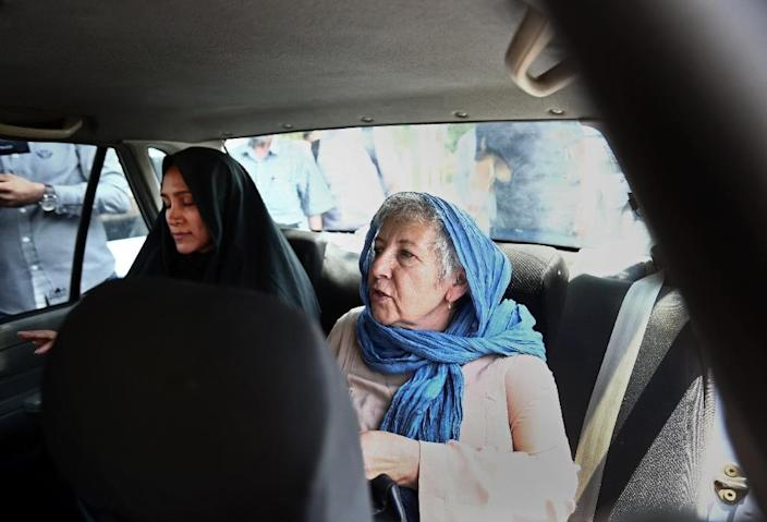 Mary Rezaian (R), mother of detained Washington Post correspondent Jason Rezaian, and his wife Yeganeh Salehi (L) are pictured in Tehran on August 10, 2015, during the secret trial of the 39-year-old Iranian-American journalist (AFP Photo/Behrouz Mehri)