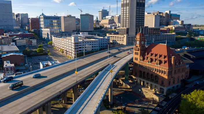 Rush hour traffic is sparse April 1 as it passes the Main Street Train Station along Interstate 95 through downtown Richmond, Va. Gov. Ralph Northam reissued stay-at-home orders.