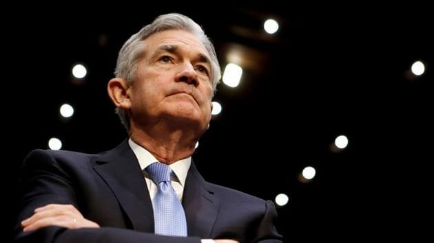 Powell Sees Strong Economic Fundamentals but Yield Curve Leaning Toward Recession