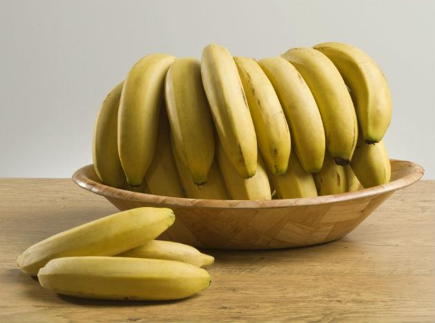 Like Strawberries, <b>Bananas </b>are also rich in potassium. It is also a good source of Magnesium. Also the natural sugars in bananas when released quickly into the bloodstream makes you feel energetic. Bananas contain starchy carbohydrate which helps in sustaining your good mood.