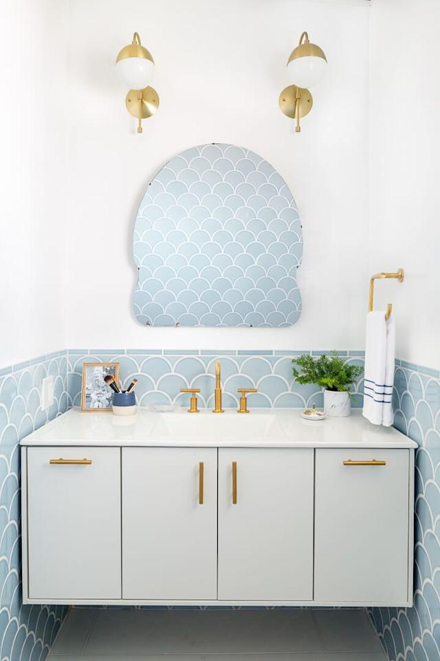 "<p>When it comes to pulling off a big-impact look with minimal square footage, you have to be strategic. From playing with pattern, to bold color, to making your room feel way larger than it actually is-these are the chicest powder room ideas around. Need <a rel=""nofollow"" href=""https://www.housebeautiful.com/room-decorating/bathrooms/tips/g626/designer-bathrooms/"">ideas for your larger bathrooms</a>? We've got that, too.</p>"