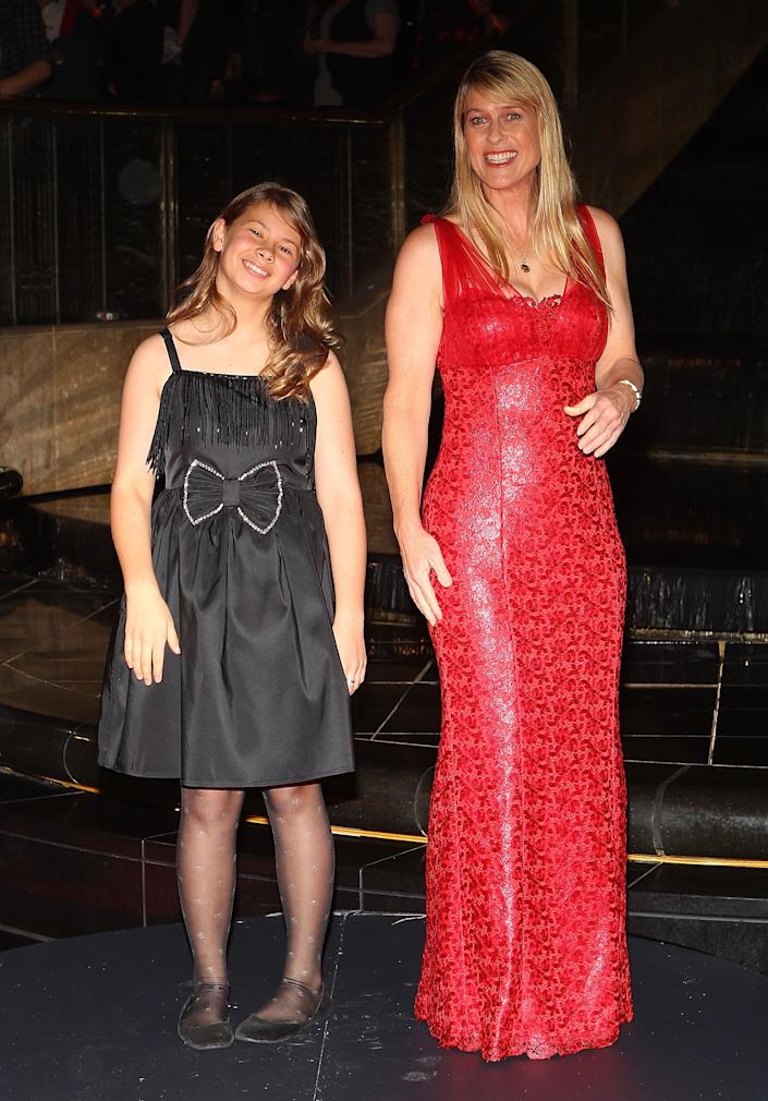 TV personality Terri Irwin and her daughter Bindi Irwin arrive on the red carpet ahead of the 2011 Logie Awards at Crown Palladium on May 1, 2011 in Melbourne, Australia. (Photo by Scott Barbour/Getty Images)