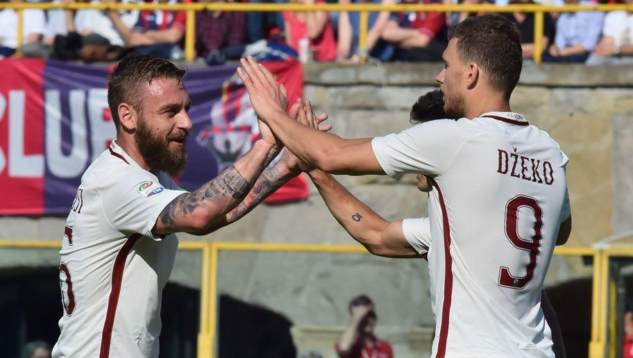 <p><strong>Goals this week</strong>: 1 (vs Bologna) </p> <p><strong>Total league goals</strong>: 24</p> <p><strong>League games played</strong>: 31</p> <p><strong>Goals/game ratio</strong>: 0.77</p> <br /><p>Tied with Gonzalo Higuain for a long time, Edin Dzeko opened up the gap between him and the Juventus striker this weekend as he helped his team get a 3-0 win over Bologna. </p> <br /><p>With 24 league goals - 34 in all competitions - Dzeko sets a new record each week, this week becoming the player who has scored the most for AS Roma in a season. </p>