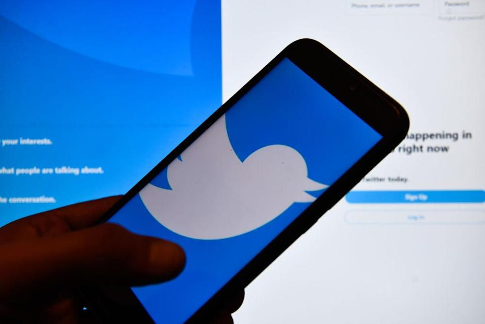 POLAND - 2019/05/13: In this photo illustration a Twitter logo seen displayed on a smartphone. (Photo Illustration by Omar Marques/SOPA Images/LightRocket via Getty Images)