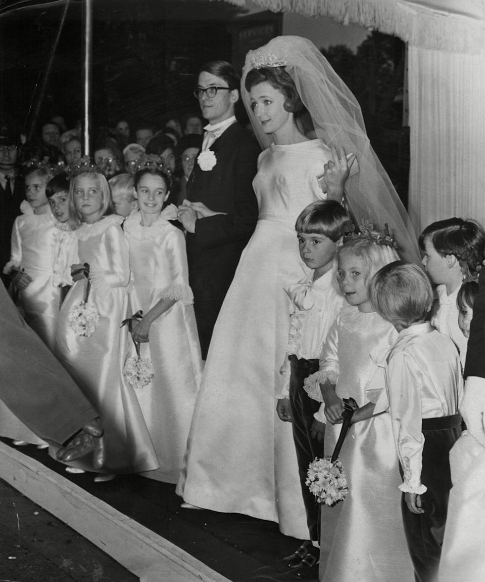 The marriage of Sheridan, 5th Marquess of Dufferin, and Lindy Guinness at St Margaret's, Westminster, in 1964 - John Twine/ANL/Shutterstock