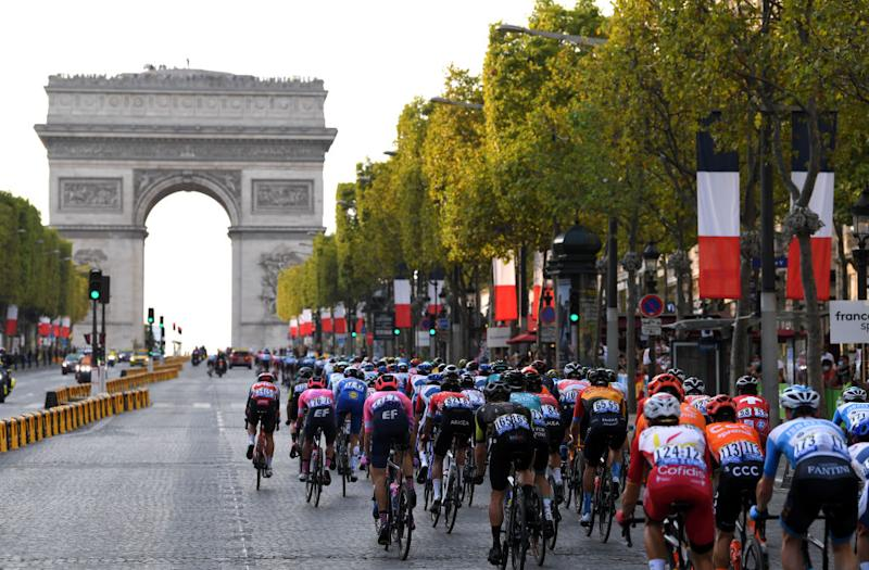 PARIS FRANCE SEPTEMBER 20 Daryl Impey of South Africa and Team Mitchelton Scott Arc De Triomphe Paris City Landscape Peloton during the 107th Tour de France 2020 Stage 21 a 122km stage from MantesLaJolie to Paris Champslyses TDF2020 LeTour on September 20 2020 in Paris France Photo by Tim de WaeleGetty Images