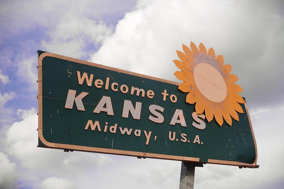 kansas state welcome sign