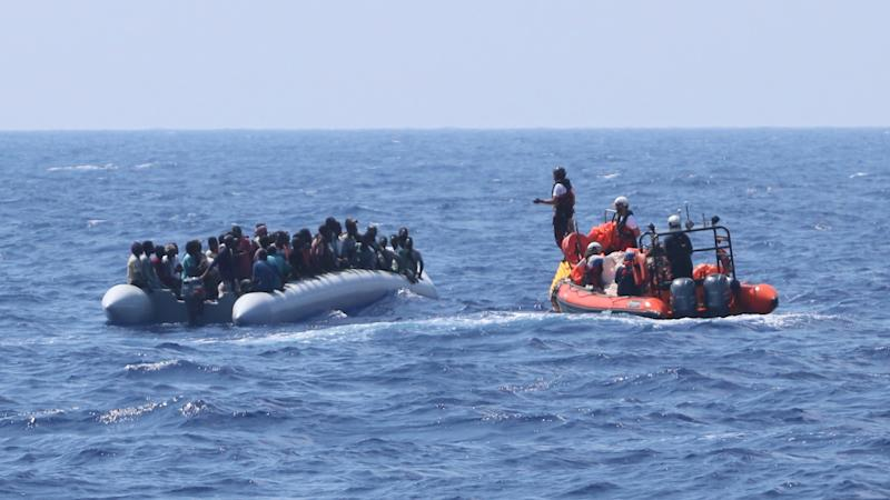 UN urges European governments to allow in migrants stranded at sea