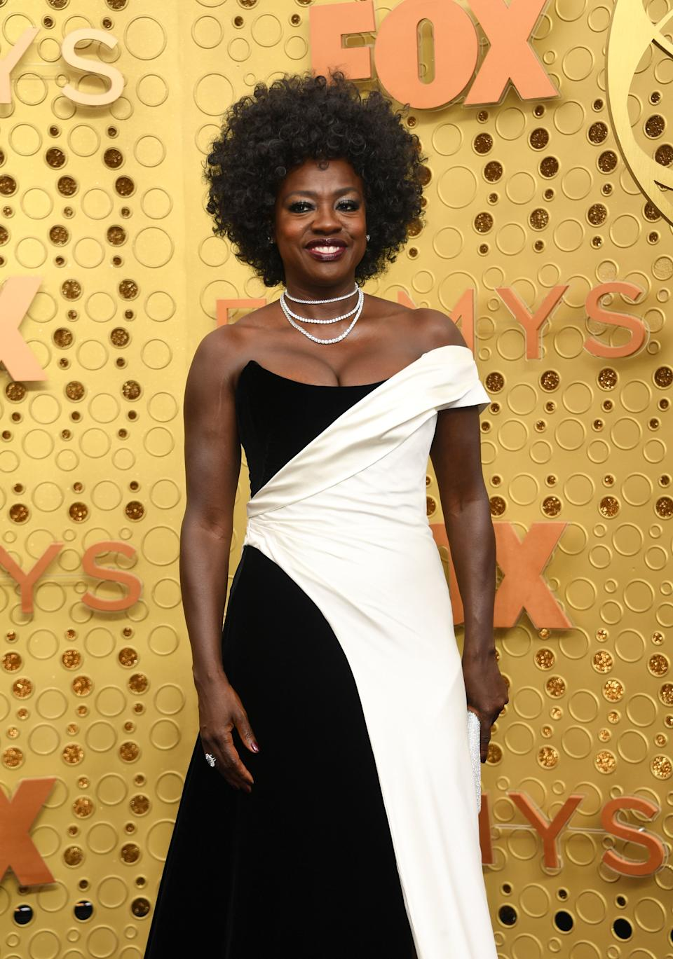 """<h1 class=""""title"""">Viola Davis in custom Alberta Ferretti Limited Edition and Forevermark jewelry</h1><cite class=""""credit"""">Photo: Getty Images</cite>"""