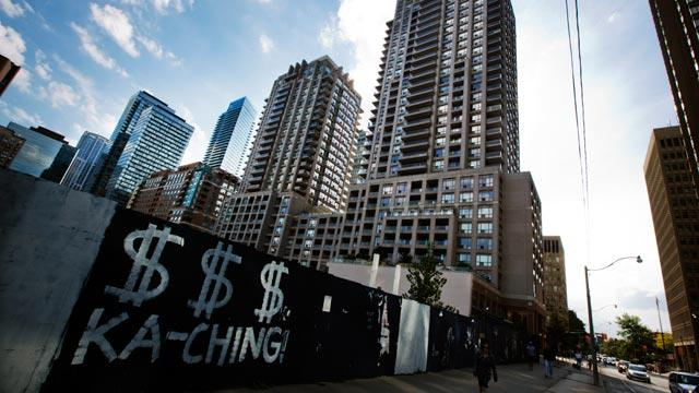 A building with rental units is seen in downtown Toronto. (CBC)